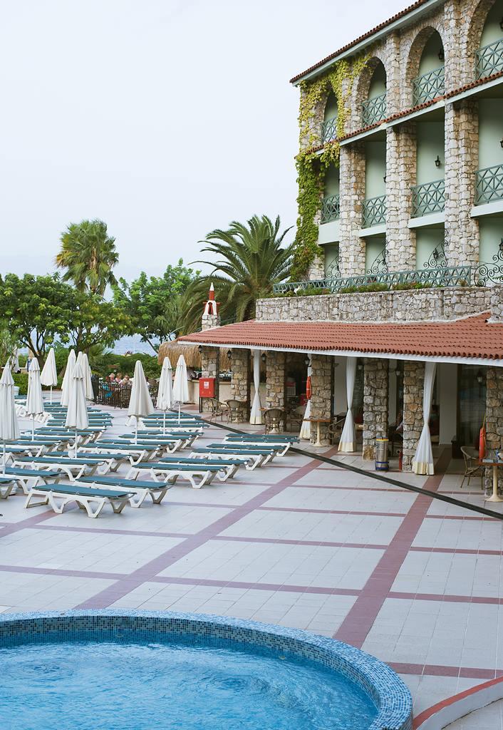 MARTI LA PERLA 4* - почивка в хотел