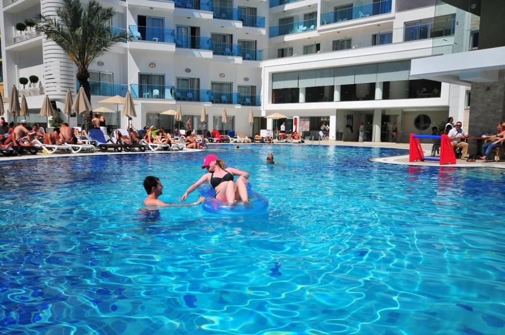 BLUE BAY PLATINUM 5* - почивка в хотел