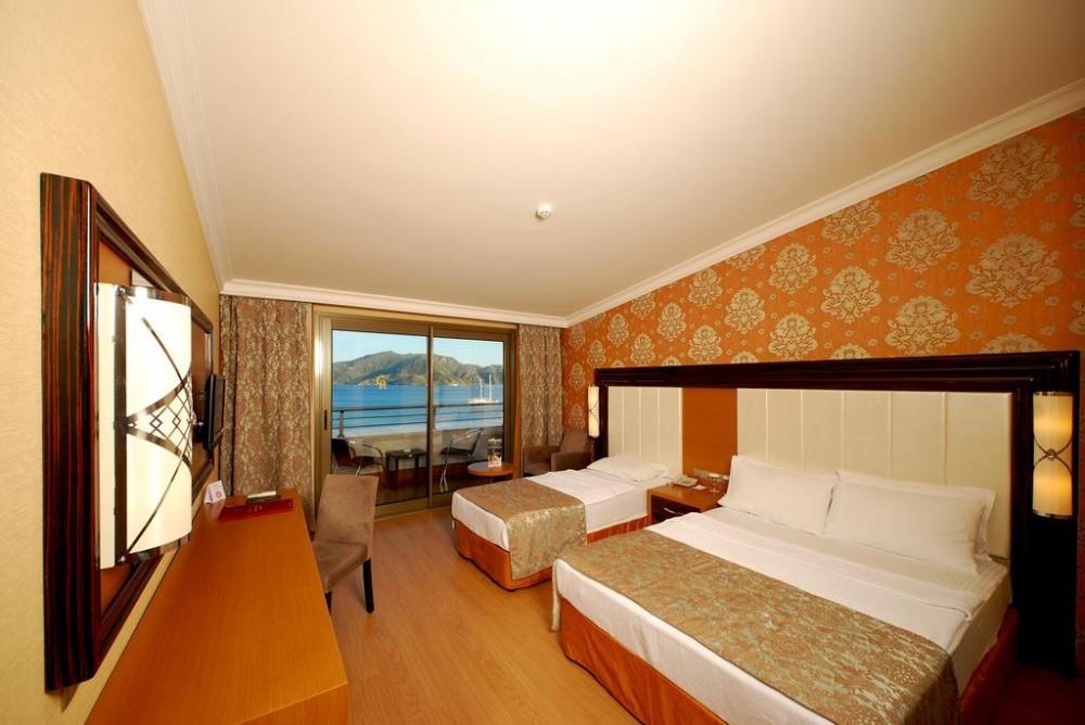 GOLDEN ROCK BEACH 5* - почивка в хотел