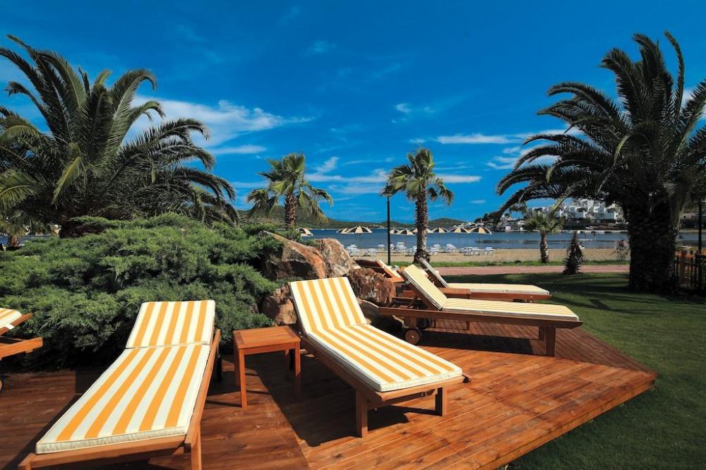 COSTA BITEZHAN BEACH 4* - промоция за почивка в хотел