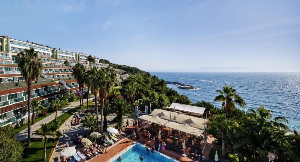 PINE BAY HOLIDAY RESORT 5* - промоция за почивка в хотел