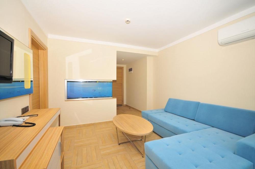 BLUE BAY PLATINUM 5* - почивка в хотел на ниски цени