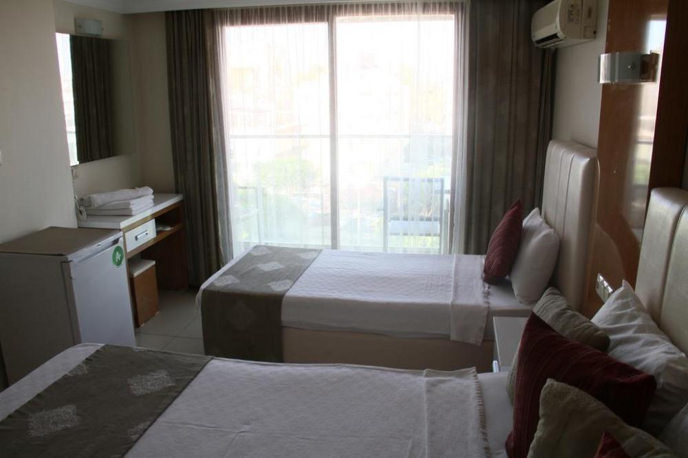 TEMPLE HOTEL 3* - почивка в хотел на ниски цени
