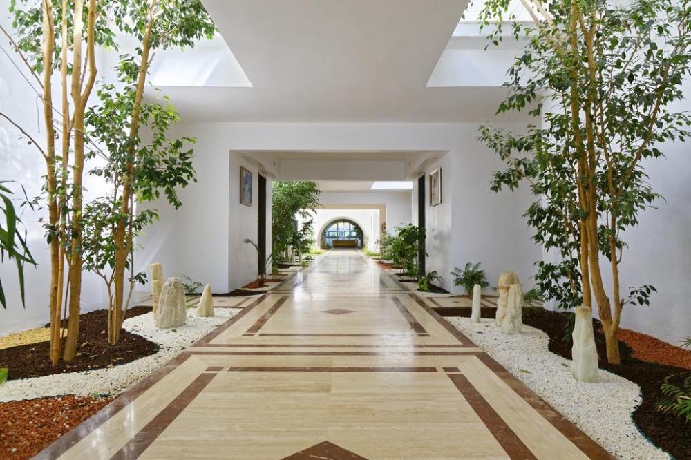 AMBROSIA 4* - почивка в хотел на ниски цени