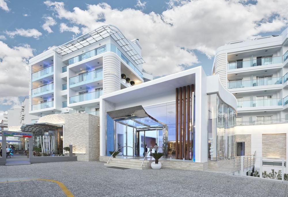 BLUE BAY PLATINUM 5* - екзотични екскурзии и почивки в хотел
