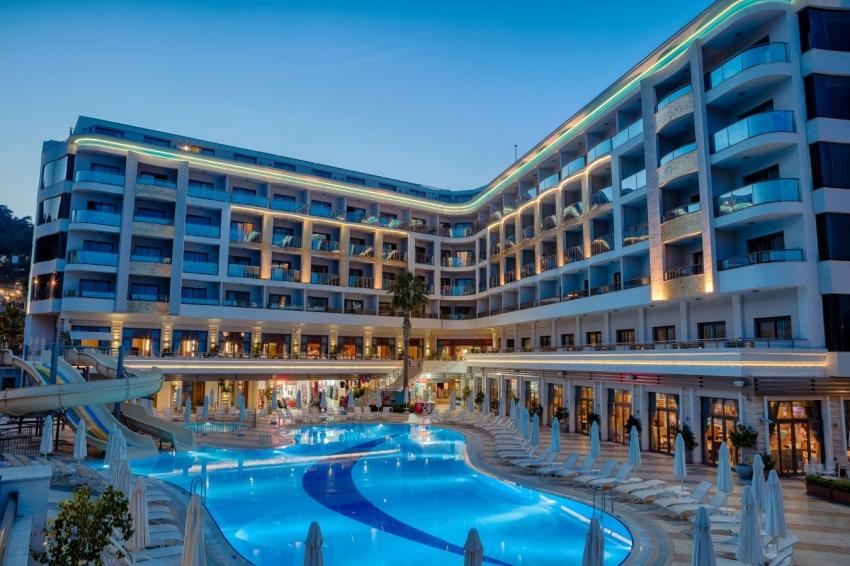 GOLDEN ROCK BEACH 5* - екзотични екскурзии и почивки в хотел