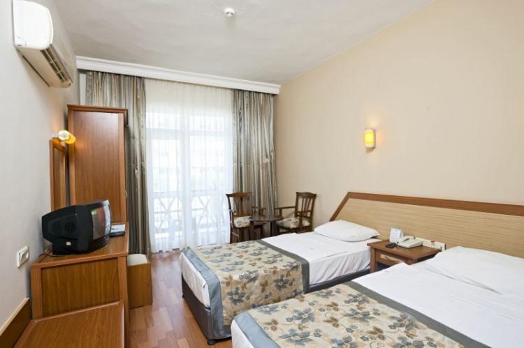 TITAN GARDEN HOTEL - 4* - промоция за почивка в хотел