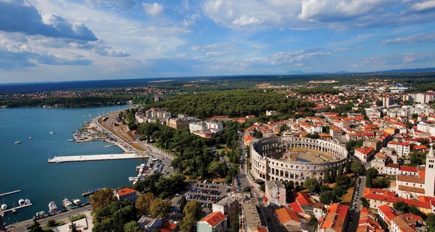Пула - Лято 2018 Самолетна програма от Варна с 4 нощувки