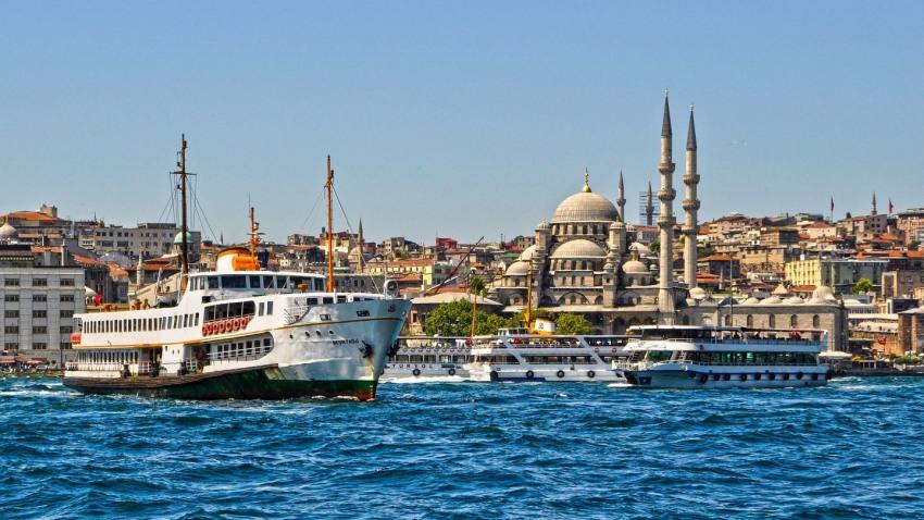 Великден 2019 в Истанбул 3 нощувки с посещение на Парка Емирган и църквата Св. Стефан